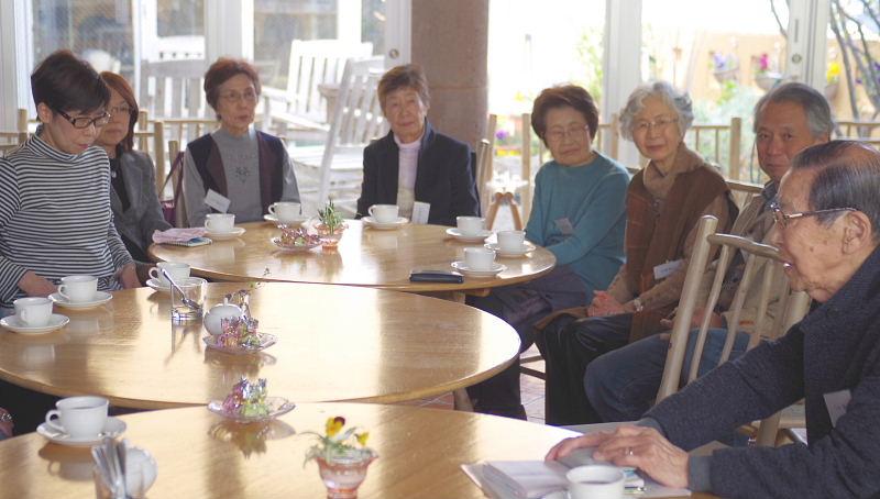 丸テーブルを囲んで~今井さんに「皇室のお話」を聞いてみよう~